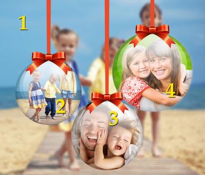 3 palle di Natale su sfondo sfocato