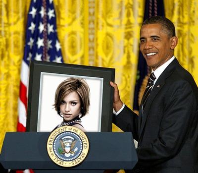 Photo dans cadre tenu par Barack Obama président des États-Unis
