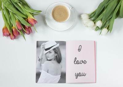 Foto y texto en un cuaderno Latte del personal
