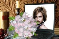 Montage photo sc ne ordinateur portable bouquet de fleurs for Ordinateur pour montage photo
