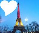 la tour de paris avec le drapeau belge