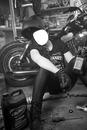 femme moto vintage