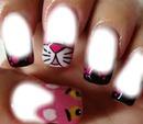 Uñas de la pantera rosa.