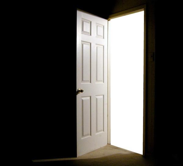 Montage photo la porte ouverte pixiz for Porte ouverte