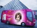 Scena l'Oréal u autobusu