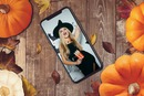 Photo dans un smartphone iPhone X pour Halloween