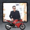 Sepeda motor merah