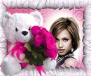 Teddy med bukett med roser