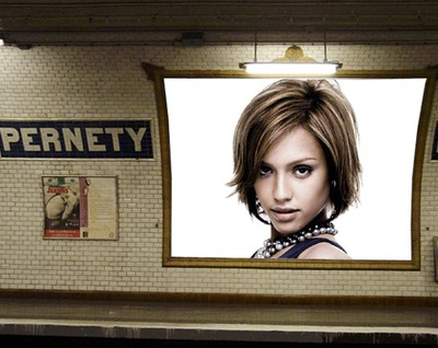 Affiche publicitaire station de métro Scène