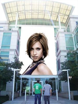 Cartel publicitario centro comercial