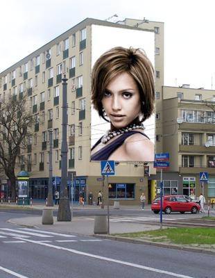 Scène Affiche publicitaire sur immeuble