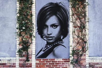 Retrato impreso en una pared