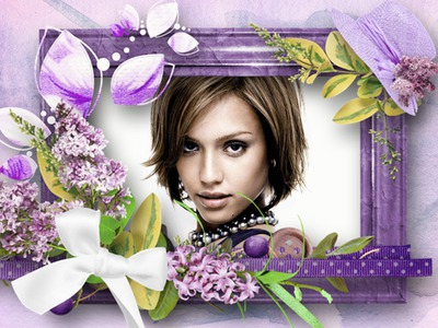 Kapelusz z fioletowym kwiatem