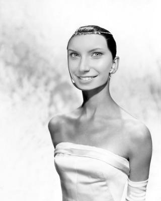Žensko lice Audrey Hepburn