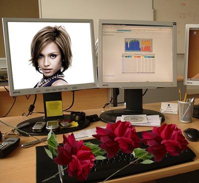 โต๊ะคอมพิวเตอร์หน้าจอฉากดอกกุหลาบ