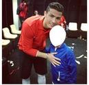 Cristino Ronaldo avec un fan