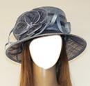 femme au chapeau gris