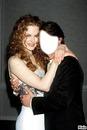Visage dans les bras de Nicole Kidman