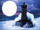 Phare frappé par la vague