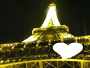 La tour effel,ta tête flouté et ton amour.