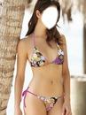 rostro de una chica en bikini