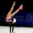Jeune fille faisait de la gymnastique