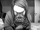 Une fille et son chat
