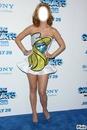 Katy Perry avec sa robe Schtroumpfette