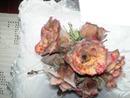 são flores feitas por mim ,de coco verde