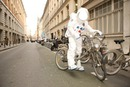 Cosmonaute faisant ses courses