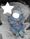 Bébé bleu pijamas en noir et blanc