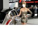 girl-auto-show