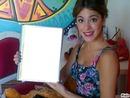tini y su cuaderno con nostras :)