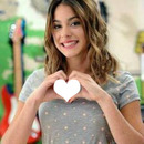 Photo dans les mains de Violetta