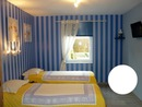 Chambre bleue et sa sdb adaptée PMR