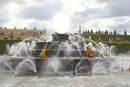 la statue de kowus sur un jet d'eau