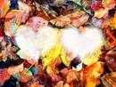 feuilles d'automne et deux coeurs