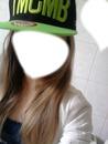 fille avec casquettes ymcmb