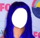 Selena Gomez cabelo azul