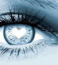 Oeil avec un coeur