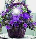 Canasta con flores del campo
