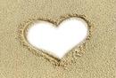 Coeur dans le sable.