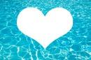 coeur sur fond d'eau