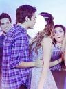 Beso de Jorge y Tini !