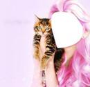 niña y gatito