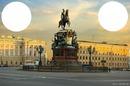 У памятника Императору Николаю-1