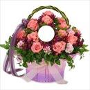 Un panier de fleurs.