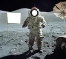 Cosmonaute et drapeau