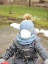 niño con ropa de invierno