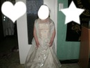 la demoiselle  d honneur dans sa belle robe